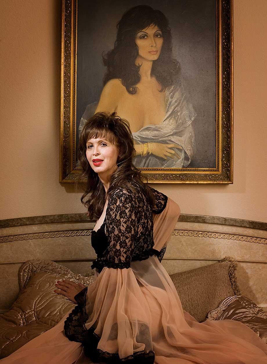Marinka (aka Maria Portnoy), was photographed in her Las Vegas, California, home over a Miss Exotic World weekend in 2009. She also (like Satan's Angel) performed at the Palomino, and has worked in France, Italy, Switzerland, Italy, Egypt, Germany and Spain, among other countries.