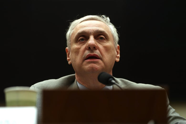 WASHINGTON, DC - MARCH 16:  Ninth Circuit Appeals Court Judge Alex Kozinski testifies during a House Judiciary Committee hearing on March 16, 2017 in Washington, DC. Judges with the Ninth testified before the committee about the restructuring of that court.  (Photo by Justin Sullivan/Getty Images)