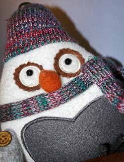 Sugar-cookie-scented stuffed owl.