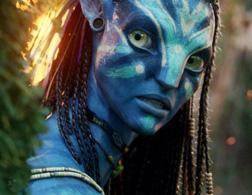 Zoe Saldana as Neytiri in Avatar. Click image to expand.