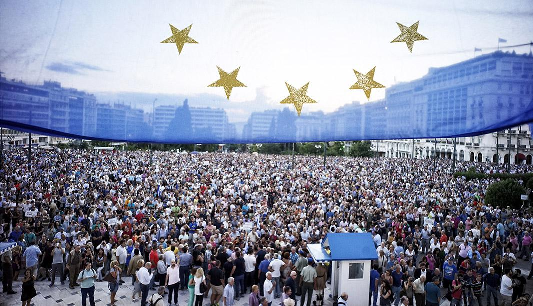 Pro-European Union protesters take part in a rally in front of t