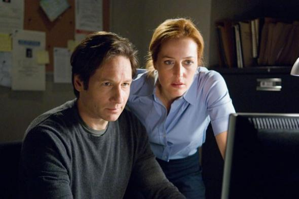 David Duchovny, Gillian Anderson in The X-Files
