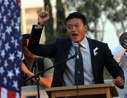 Lieutenant Dan Choi. Click image to expand.