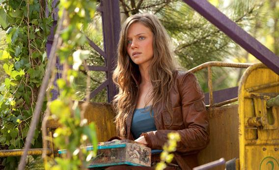 Tracy Spiridakos as Charlie Matheson in NBC's Revolution.