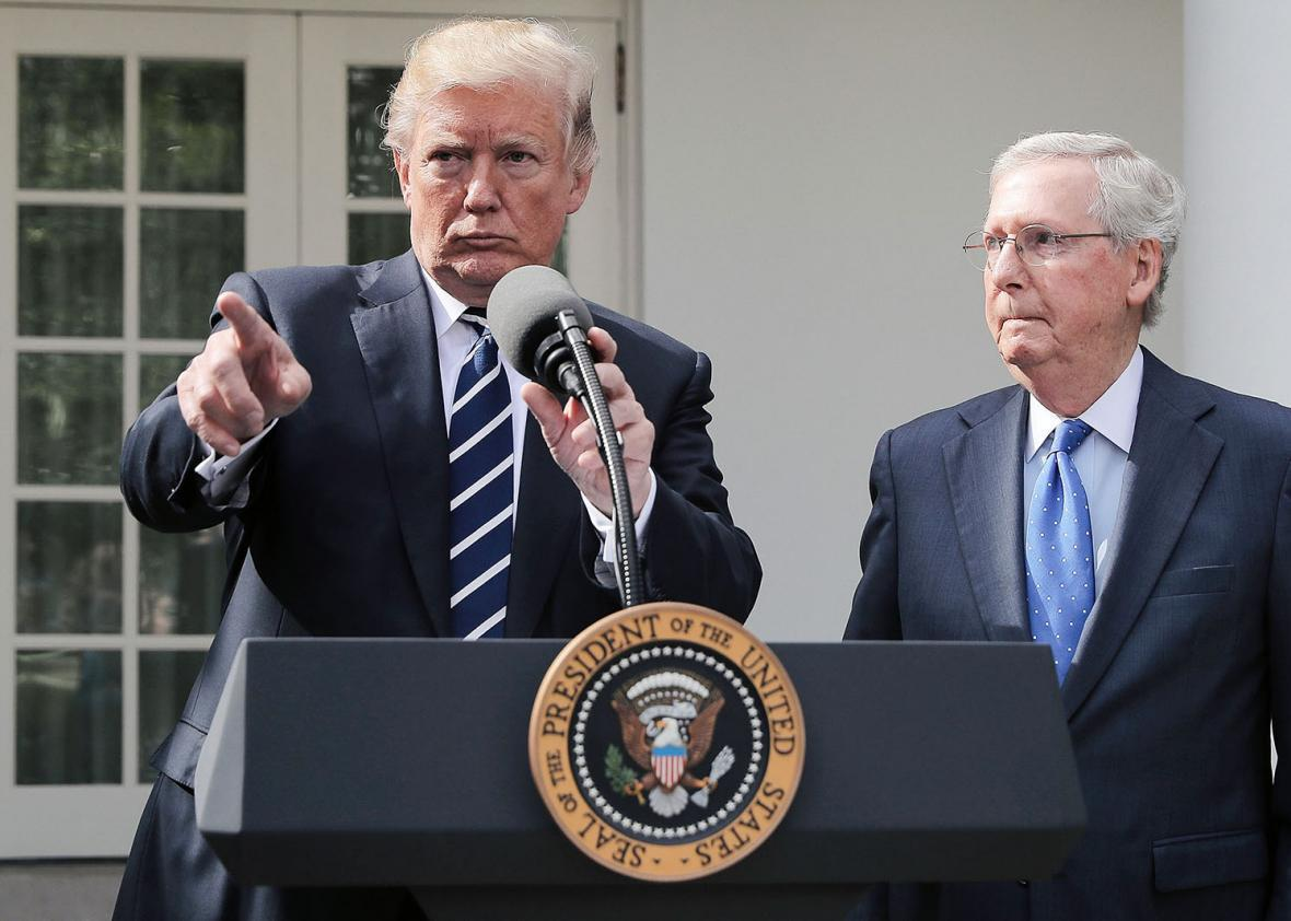 Trump, Mitch McConnell