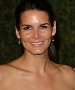 Actress Angie Harmon. Click image to expand.