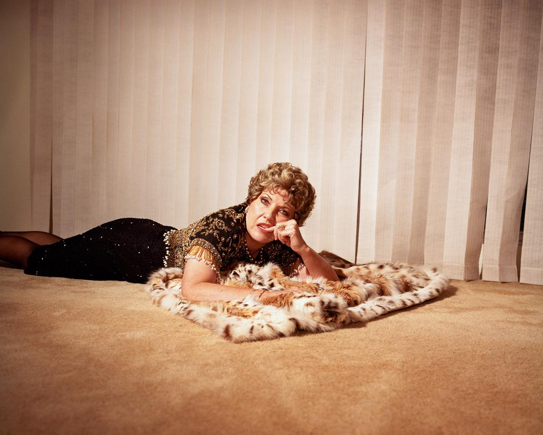 Simone Lueck The Once And Future Queens Examines The Fantasy Behind Los Angeles Glamour Photos