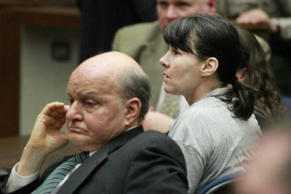 Attorney Mark Overland (L) and former Los Angeles police detective Stephanie Lazarus (R) sit in Superior Court.