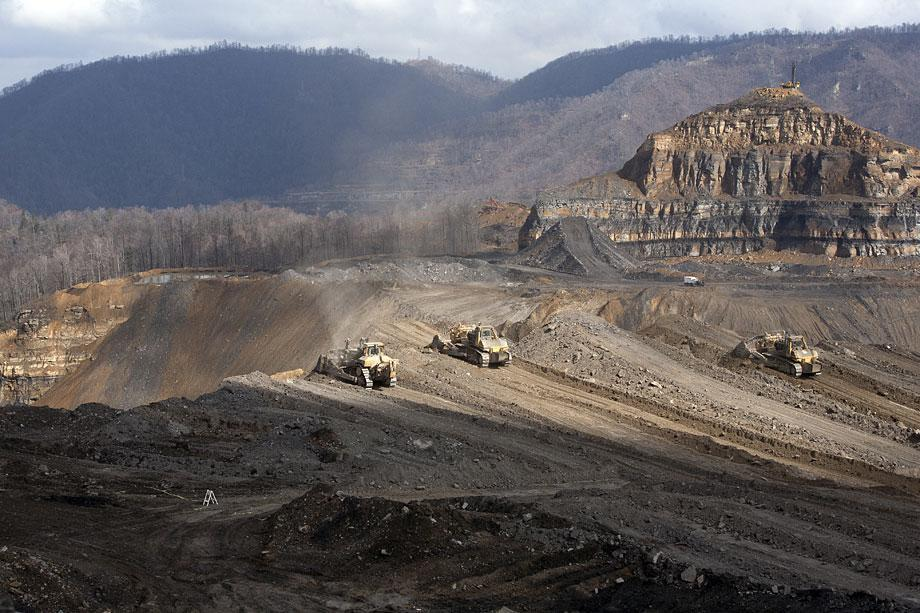 Mountaintop-removal and valley-fill coal mining at Massey Energy's Edwight site in Sundial, W. Va.