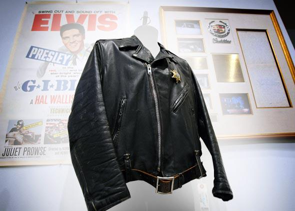Celebrity memorabilia market: The magical law of contagion explains high auction prices.