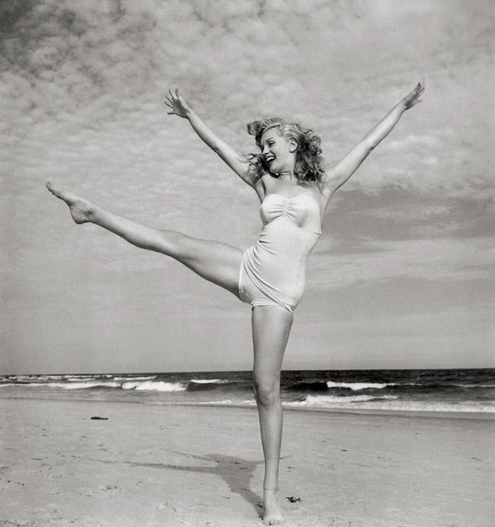 Andre De Dienes. Marilyn Monroe, Tobay Beach, Long Island, 1949.