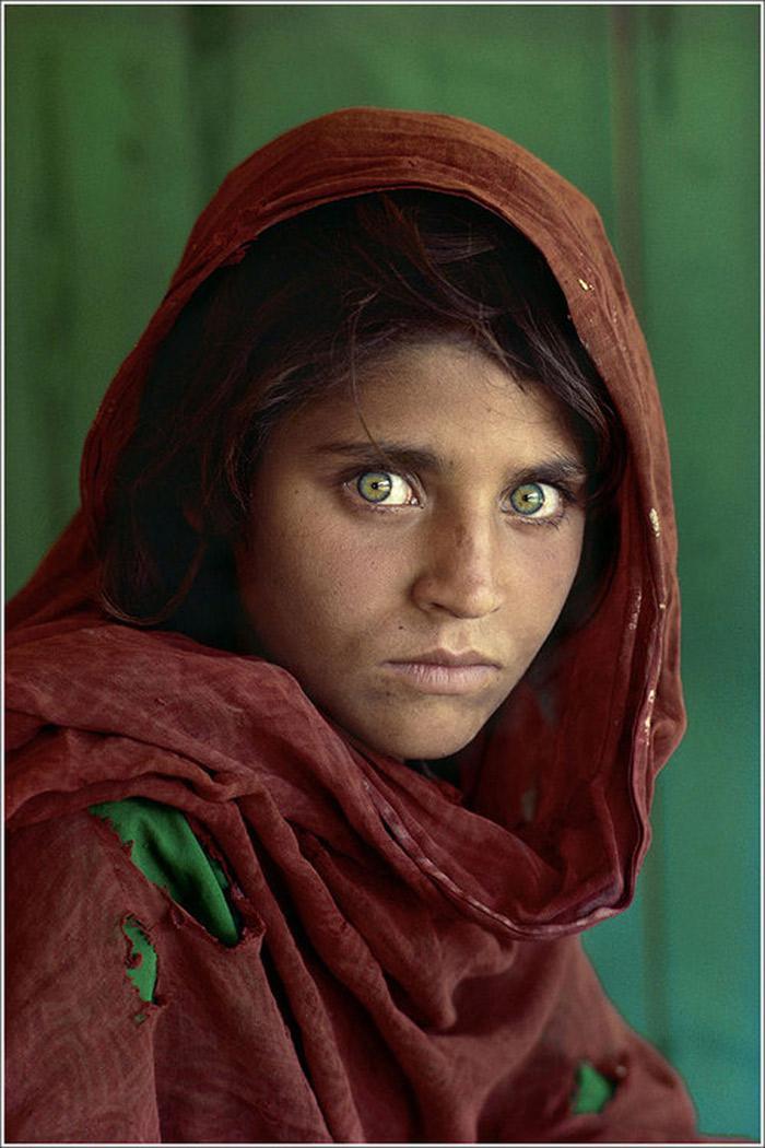 Steve McCurry. Sharbat Gula, Afghan Girl, Pakistan, 1984