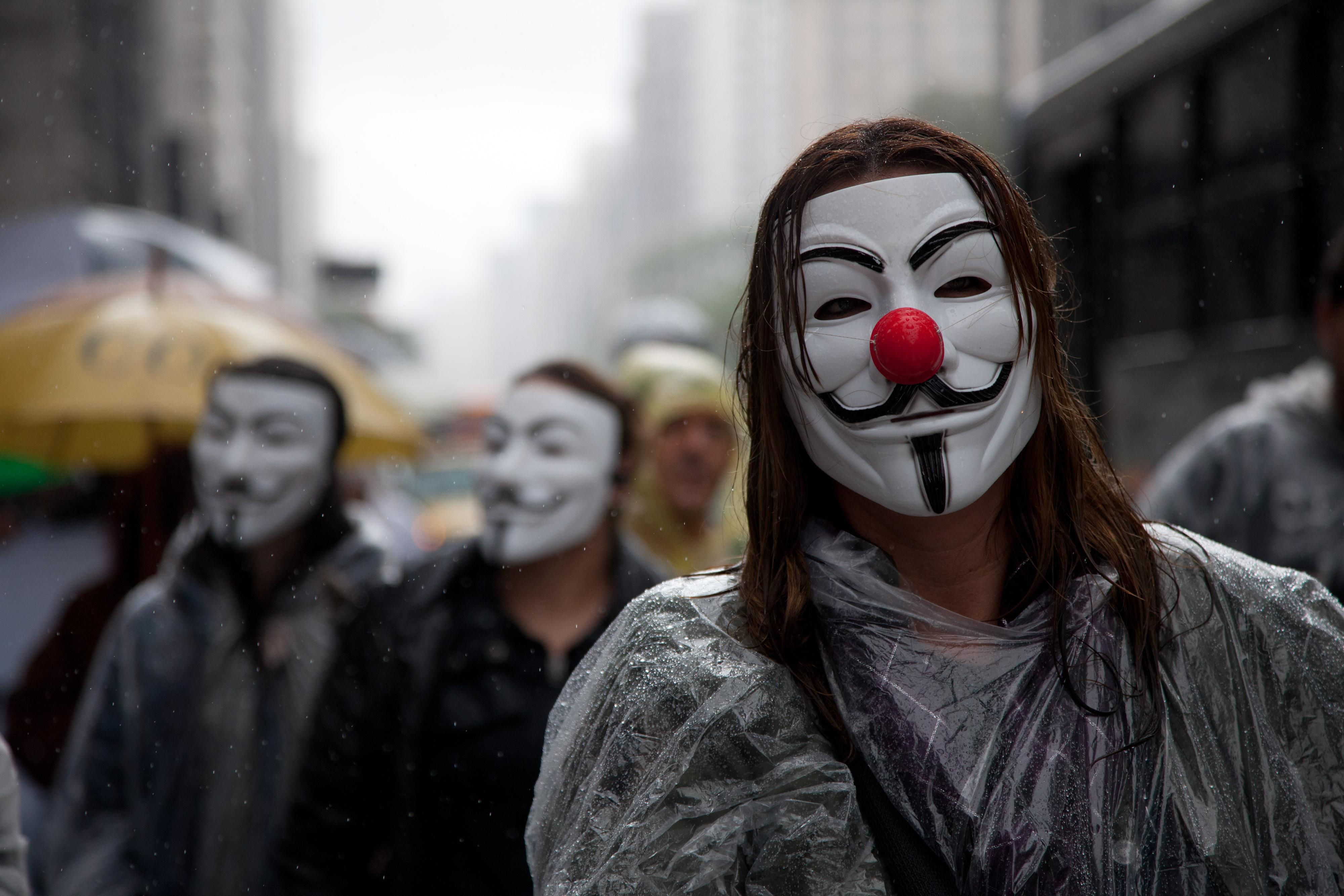 The Guy Fawkes Mask In V For Vendetta A Metaphor For The Closet