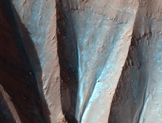 close up of the crater rim
