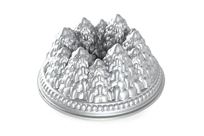 Nordic Ware pine forest Bundt pan