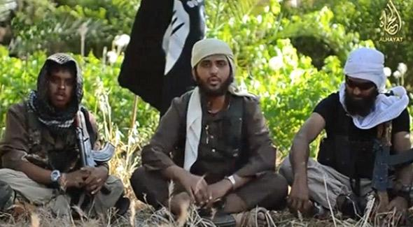 Nasser Muthana, center, in a recruitment video for the group Islamic State in Iraq and Syria (ISIS).