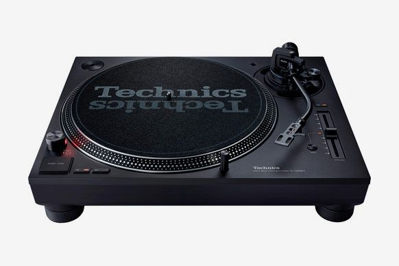 Technics SL-1200MK7 Direct Drive Turntable System