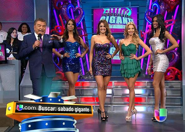 Don Francisco, left, and four finalists for a model contest on Sabado Gigante, in 2013. Sabado Gigante is being cancelled after 53 years.