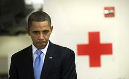 US President Barack Obama tours the Disaster Operations Center of the American Red Cross.