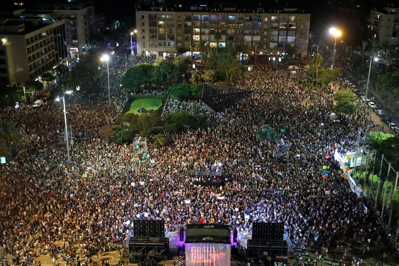 Tens of Thousands Protest in Israel Over Denial of Surrogacy Rights for Gay Men