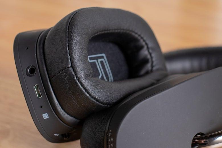 inside of NAD headphones