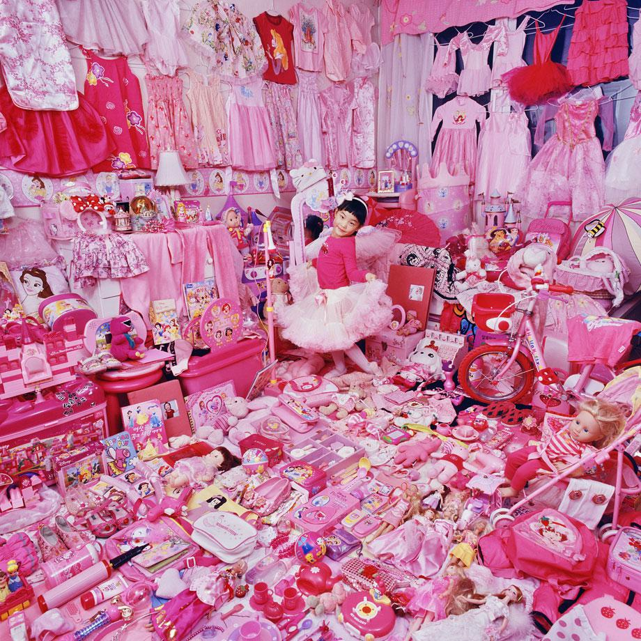The Pink Project – Jeeyoo and Her Pink Things, Light jet Print, 2007