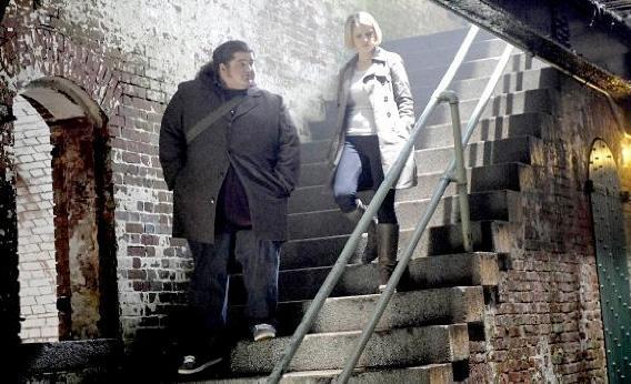 Jorge Garcia and Sarah Jones in Alcatraz