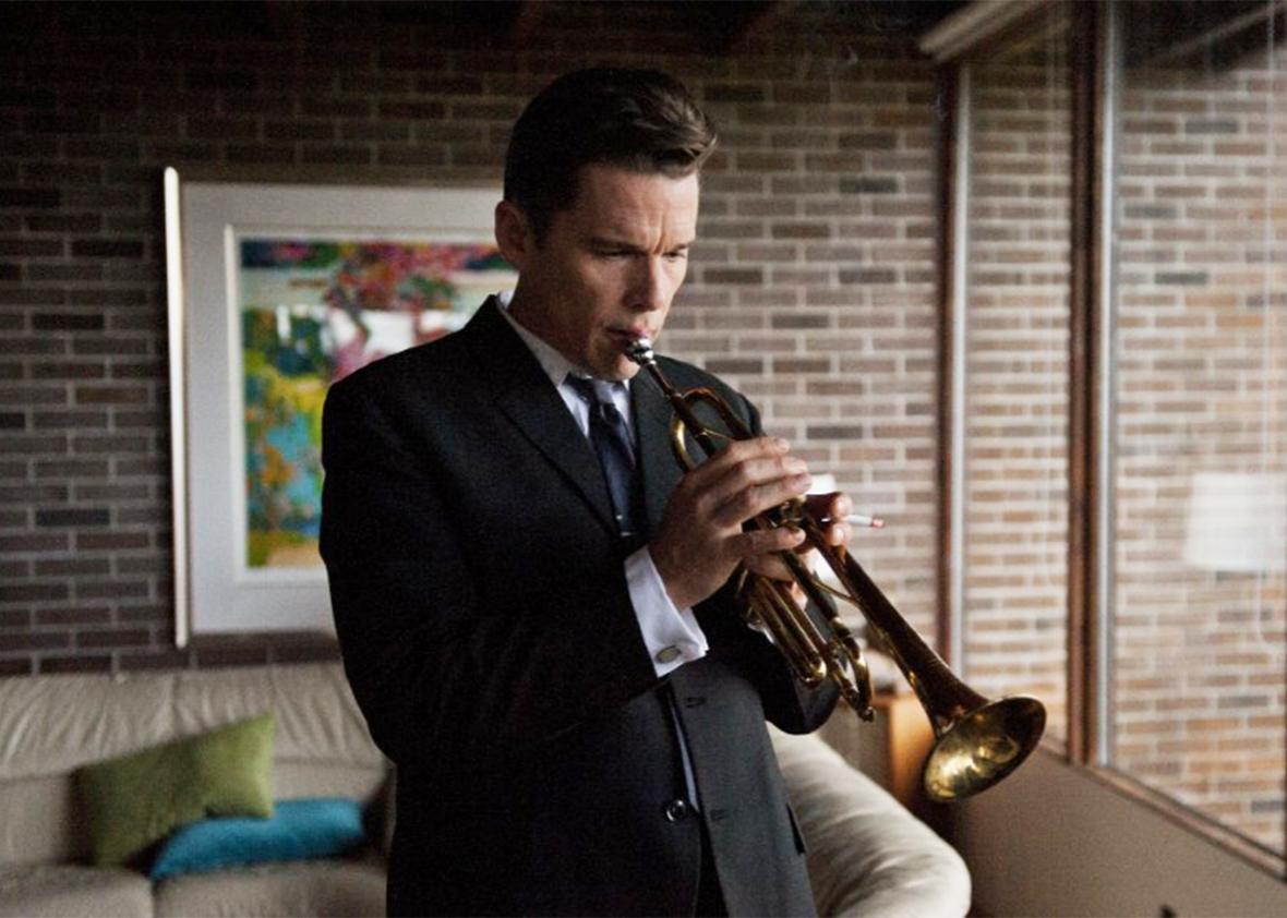 Still of Ethan Hawke in Born to Be Blue.
