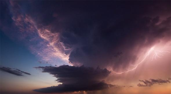 Mike Olbinski time-lapse video of storm clouds.