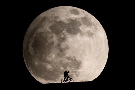 Philipp Schmidli photo of the Moon