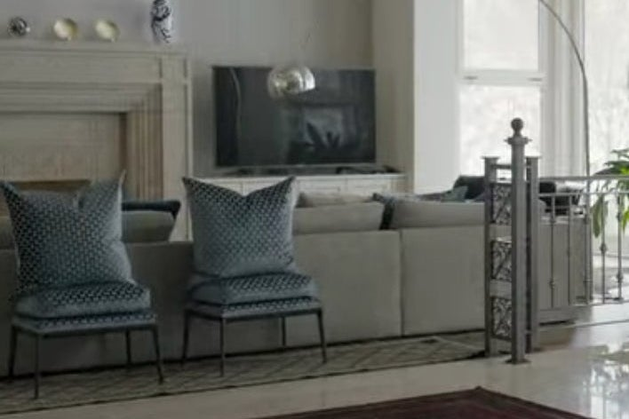 Chairs in David Duchovny's living room in The Chair.