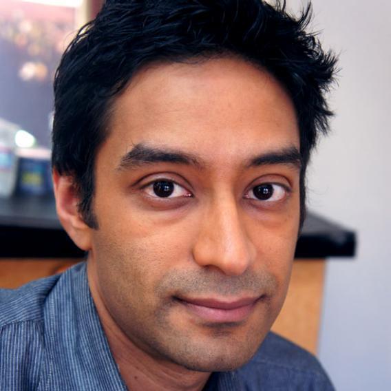 Farhad Manjoo, airbrush makeup.