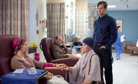 Rose Abdoo as Gwen, Monica Potter as Kristina Braverman, Peter Krause as Adam Braverman.