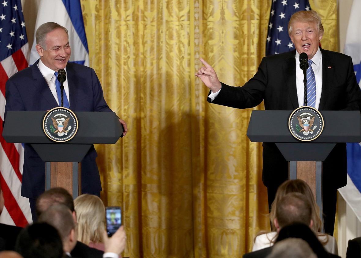 U.S. President Donald Trump (R) and Israel Prime Minister Benjamin Netanyahu (L)