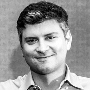 portrait of Mike Schur