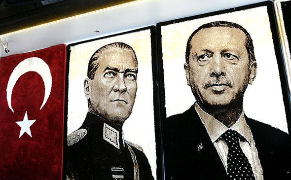 Turkey Mustafa Kemal Ataturk (L) and Turkey's Prime Minister Rec