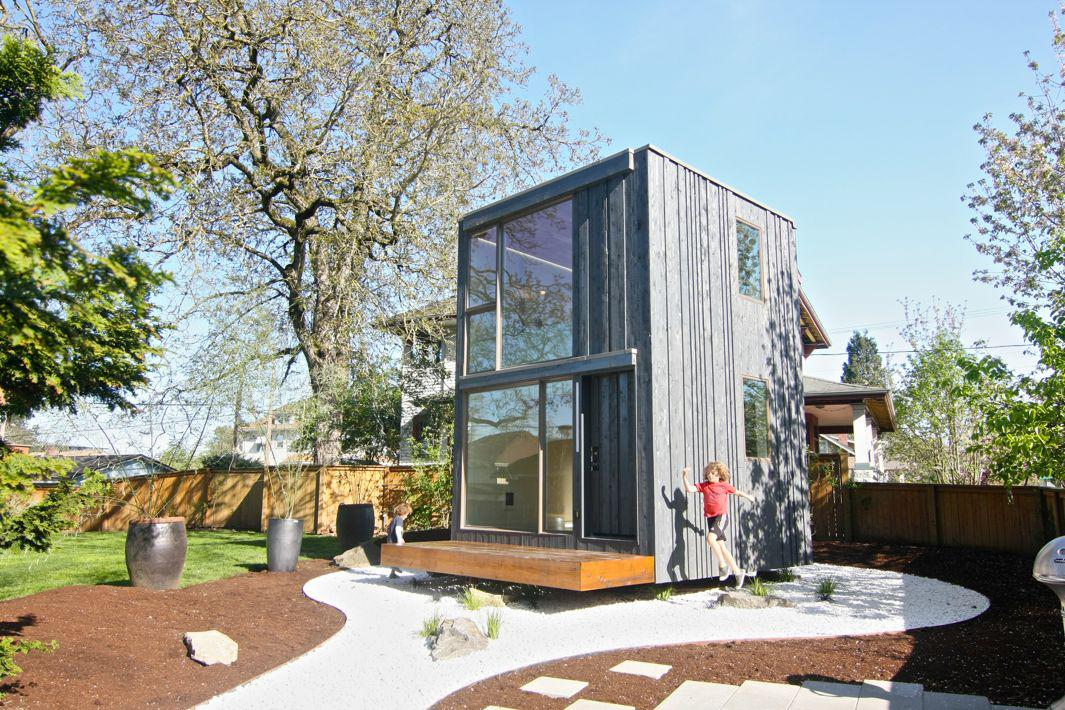 This Portland Tiny House Can Rotate 359 Degrees to Follow the Sun