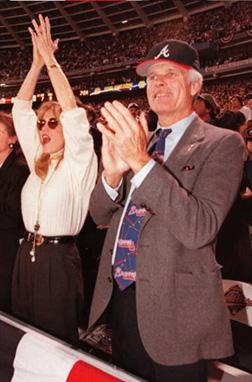 Ted Turner at the 1995 World Series with wife Jane Fonda. Click image to expand.