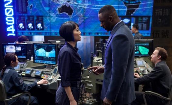 Stacker (Idris Elba) and Mako (Rinko Kikuchi) in Pacific Rim.