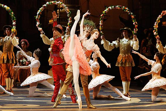 "Svetlana Zakharova, a principal dancer of the Bolshoi Ballet, and other dancers perform during a rehearsal of Tchaikovsky's ballet ""The Sleeping Beauty"" at the Bolshoi Theatre in Moscow November 17, 2011."