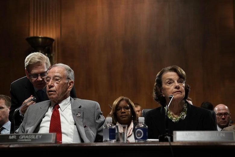 Sens. Chuck Grassley and Dianne Feinstein at a hearing.