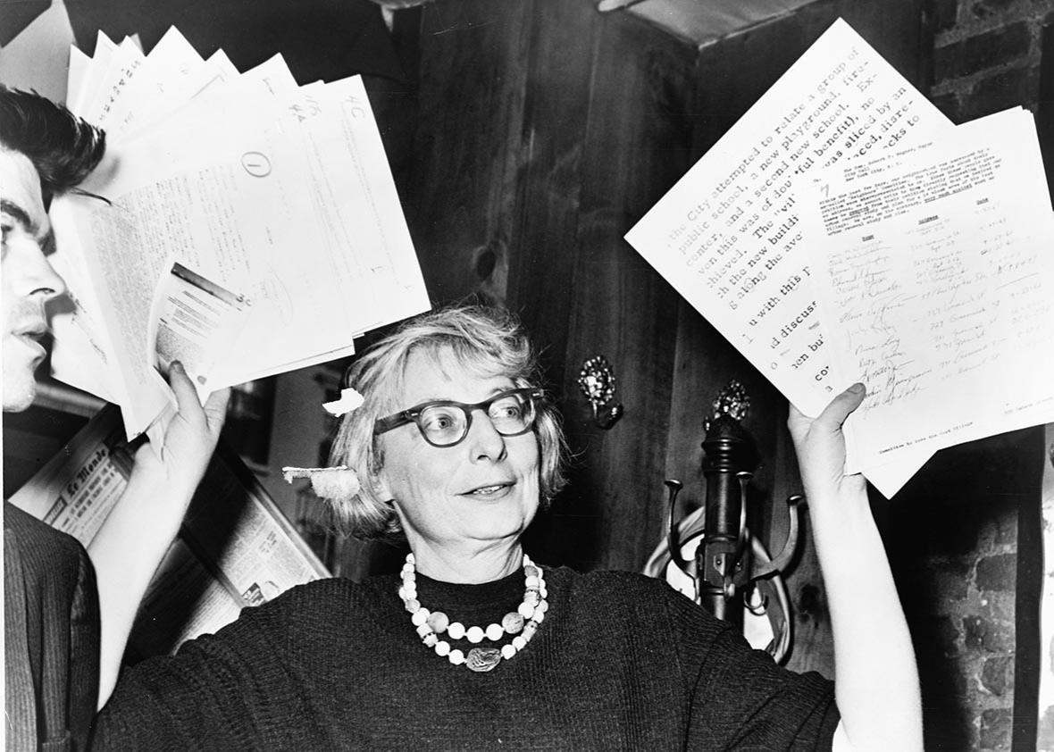 Jane Jacobs, chairman of the Committee to Save the West Village, presents evidence at the Lion's Head restaurant, New York, 1961.
