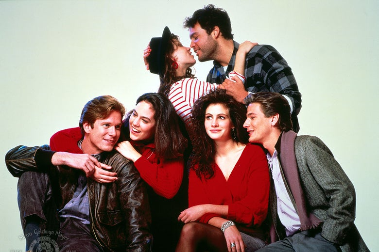 Julia Roberts, Vincent D'Onofrio, Lili Taylor, Annabeth Gish, William R. Moses, and Adam Storke in Mystic Pizza.