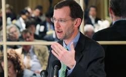 Congressional Budget Office Director Douglas Elmendorf addresses a National Economists Club. Click image to expand.
