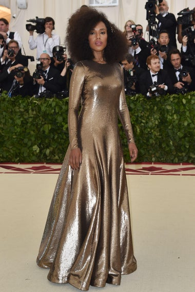 Kerry Washington arrives for the 2018 Met Gala on May 7, 2018, at the Metropolitan Museum of Art in New York. - The Gala raises money for the Metropolitan Museum of Arts Costume Institute. The Gala's 2018 theme is Heavenly Bodies: Fashion and the Catholic Imagination. (Photo by Hector RETAMAL / AFP)        (Photo credit should read HECTOR RETAMAL/AFP/Getty Images)