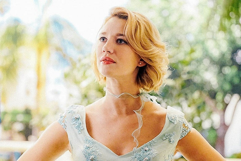 Yael Grobglas striking an authoritative pose in this still from Jane the Virgin.
