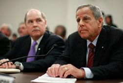 General Motors CEO Fritz Henderson (L) and Chrysler Deputy CEO James Press.