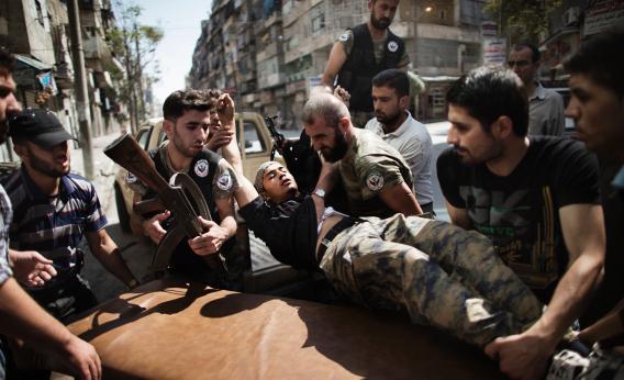 Syrian rebels injured in air strike