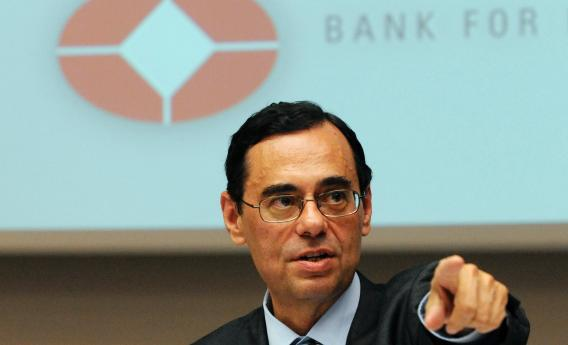 Jaime Caruana, general manager of the BIS (Bank for International Settlements), delivers a speech at a press conference during the Bank's Annual General Meeting in Basel on June 28, 2010.