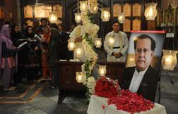 Pakistanis mourn Salman Taseer . Click image to expand.